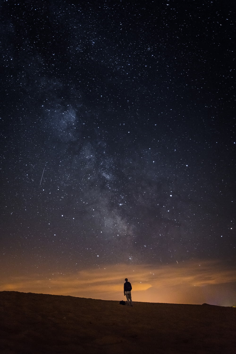 person looking at the milkyway