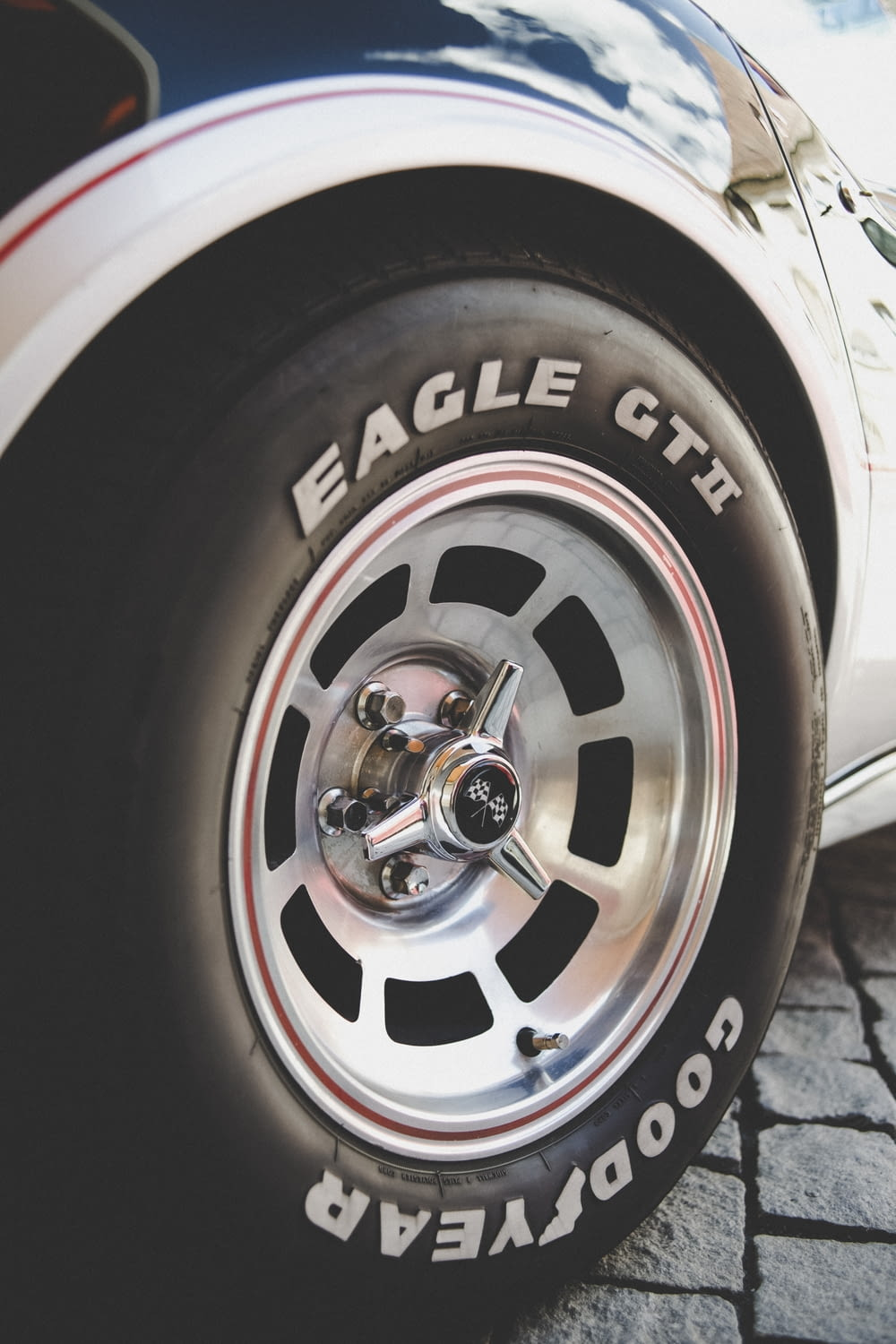 chromed-colored vehicle wheel