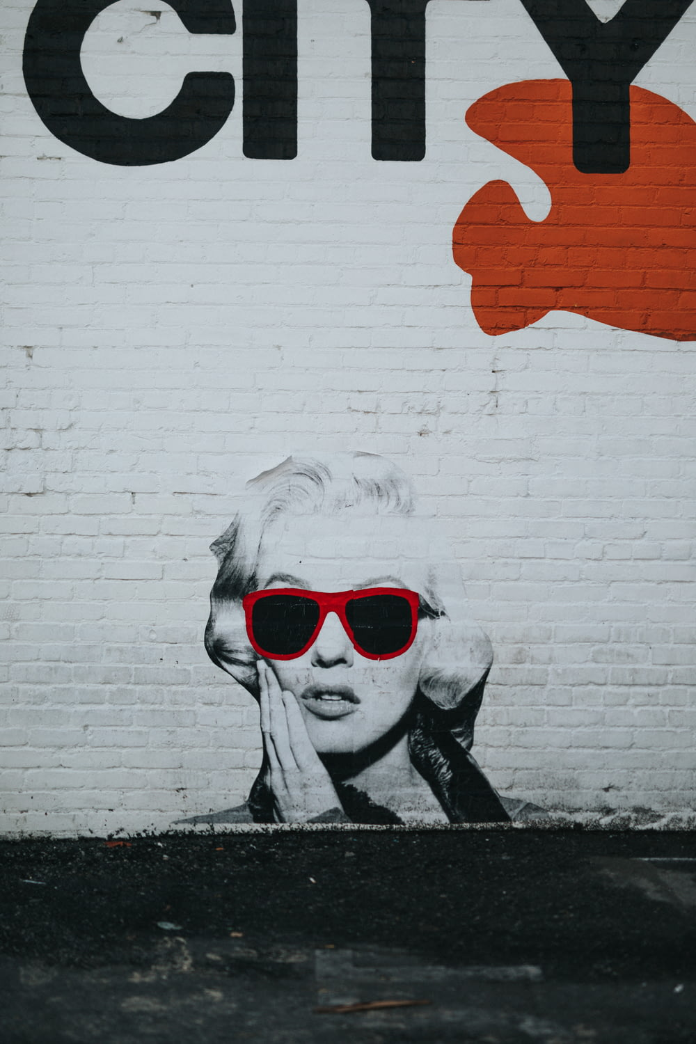 Marilyn Monroe graffiti wall art